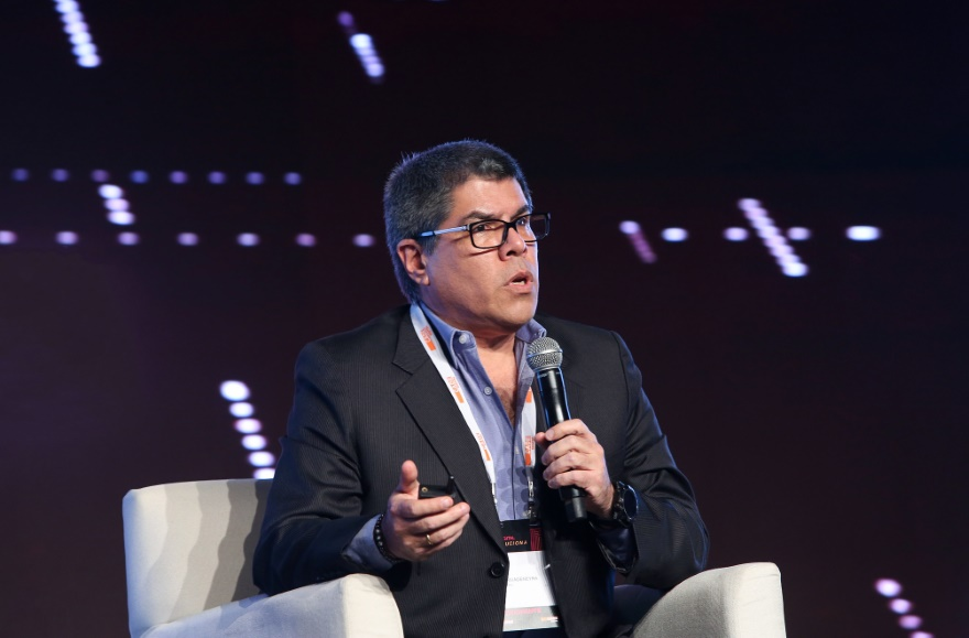 Juan Rivadeneyra Sanchez – Claro Perú Vanguard Law Magazine