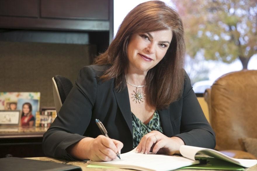 Robynn Van Patten – Community Medical Centers Vanguard Law Magazine