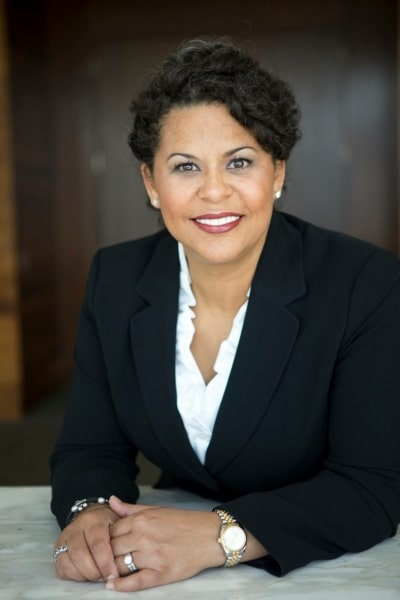 Detra Lynn Mills – Round Room LLC Vanguard Law Magazine