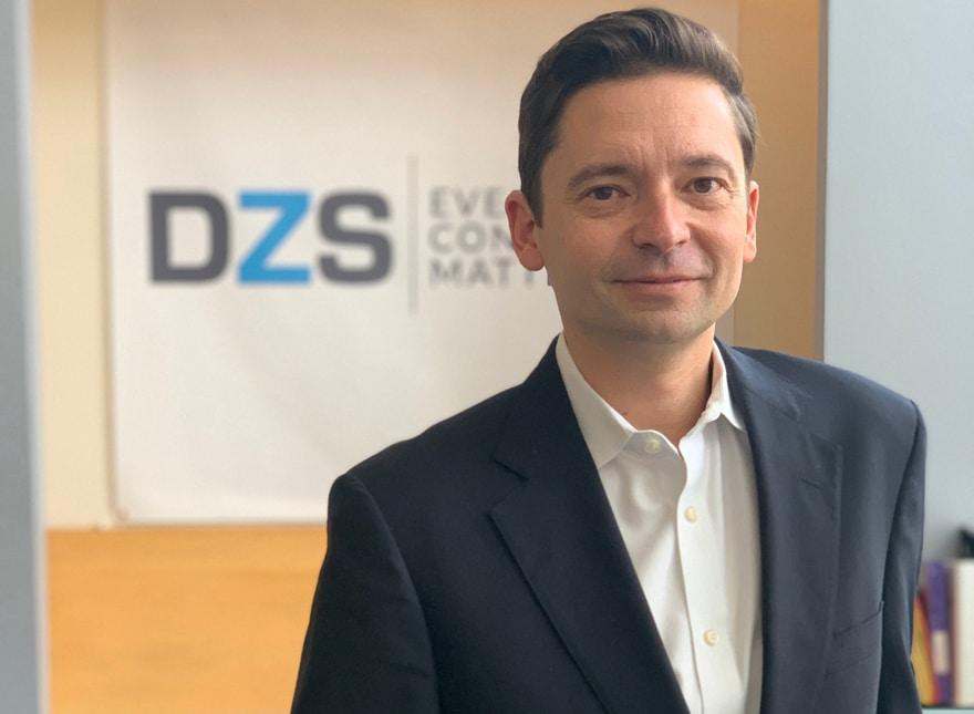 Alex Yastremski – DZS
