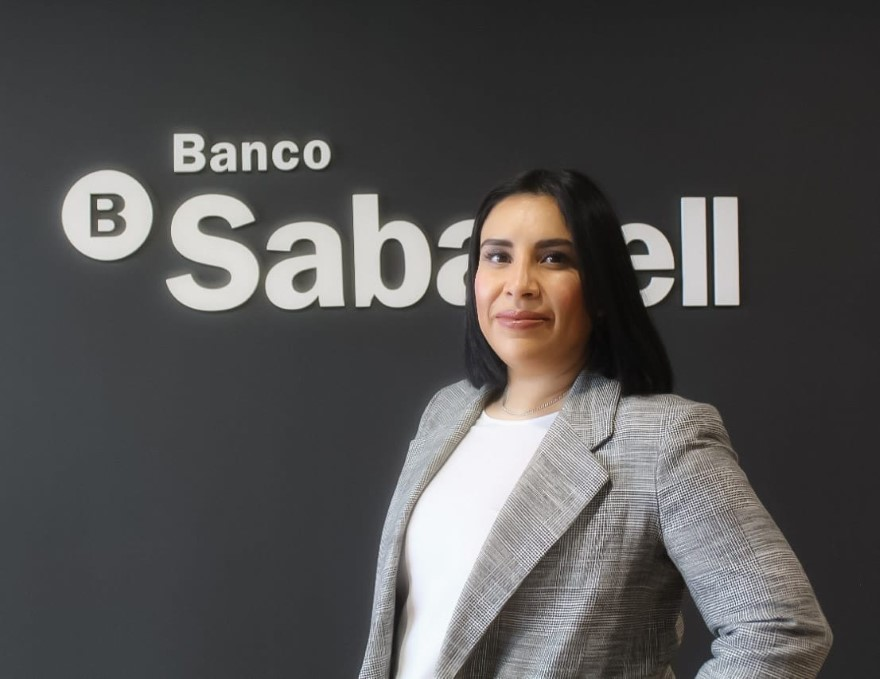 Aislinn Flores – Banco Sabadell